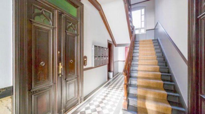Eingang des Gebäudes