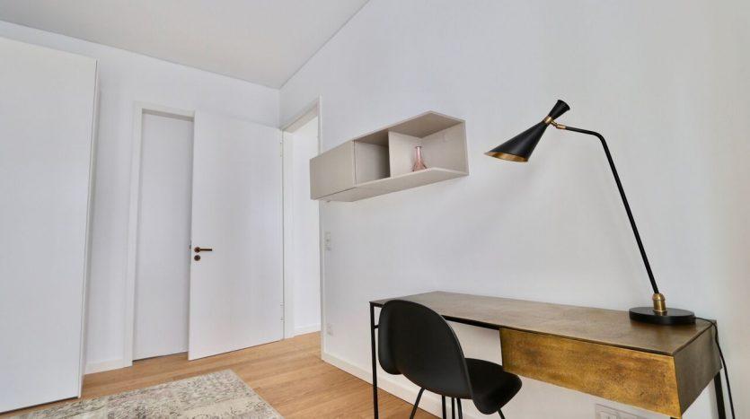Arbeits- oder Schlafzimmer (2)