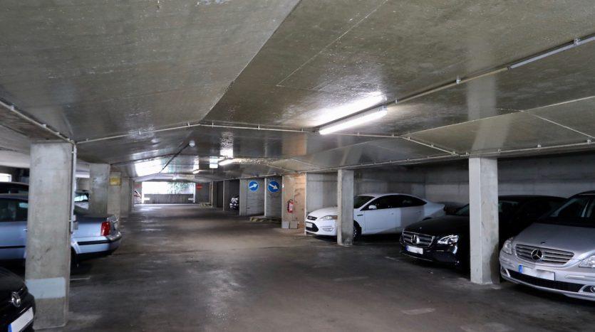 Einblick zu Parking